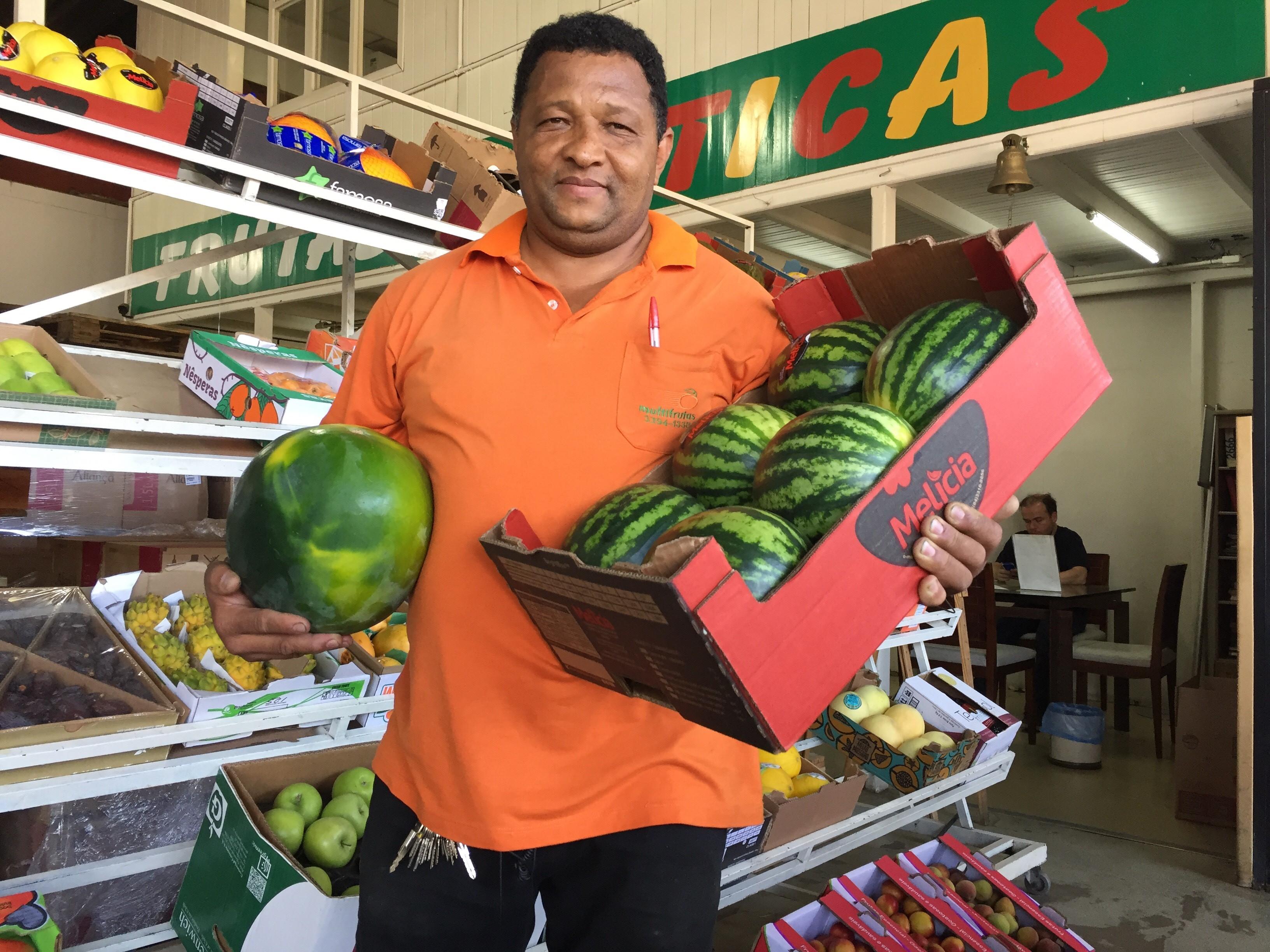 Boa safra da melancia reduz preço da fruta na CeasaMinas